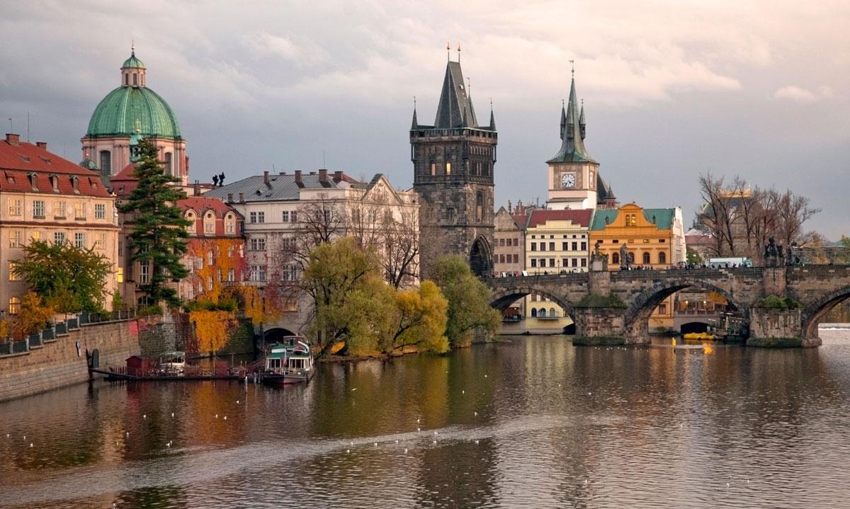 Powder Tower and Charles Bridge (Prague)
